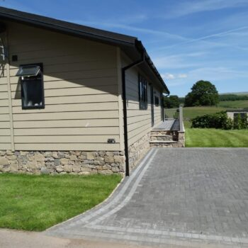 Holiday home with stone driveway